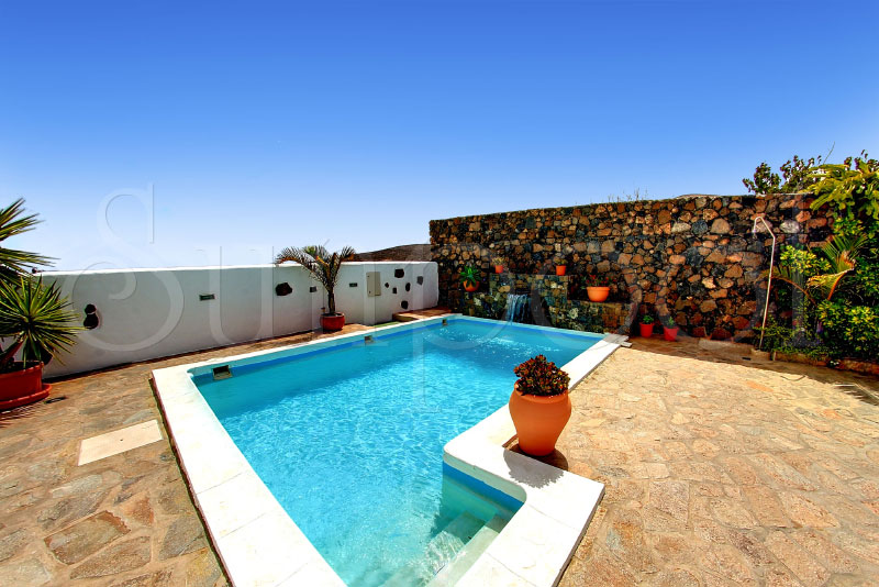 lanzarote holiday villas
