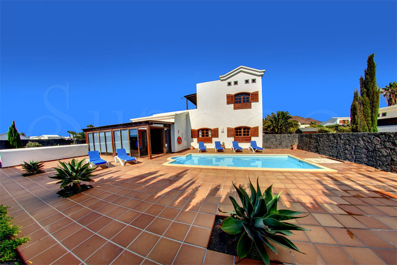 villas to rent in playa blanca