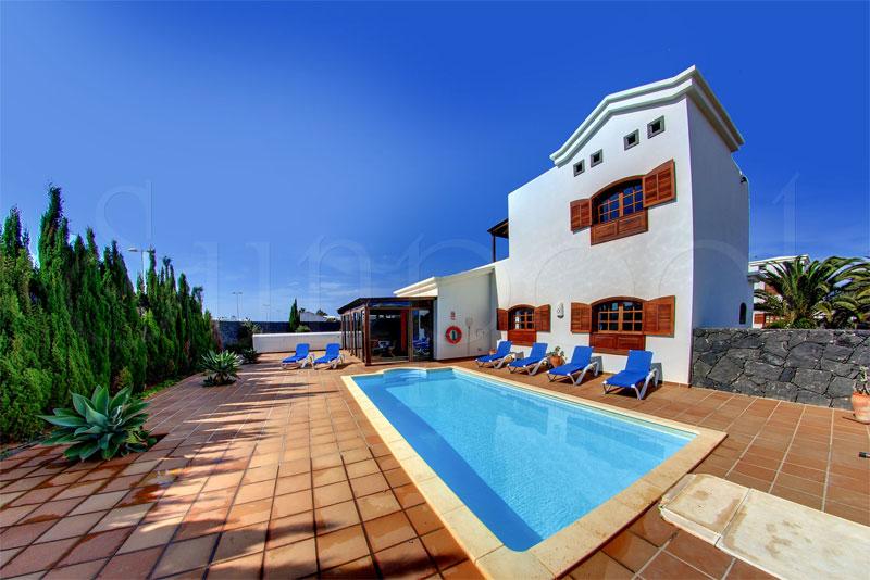 Villa Male Rentals In Lanzarote