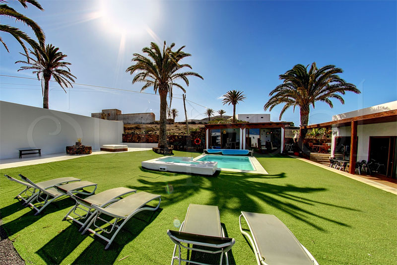 luxury villa in lanzarote