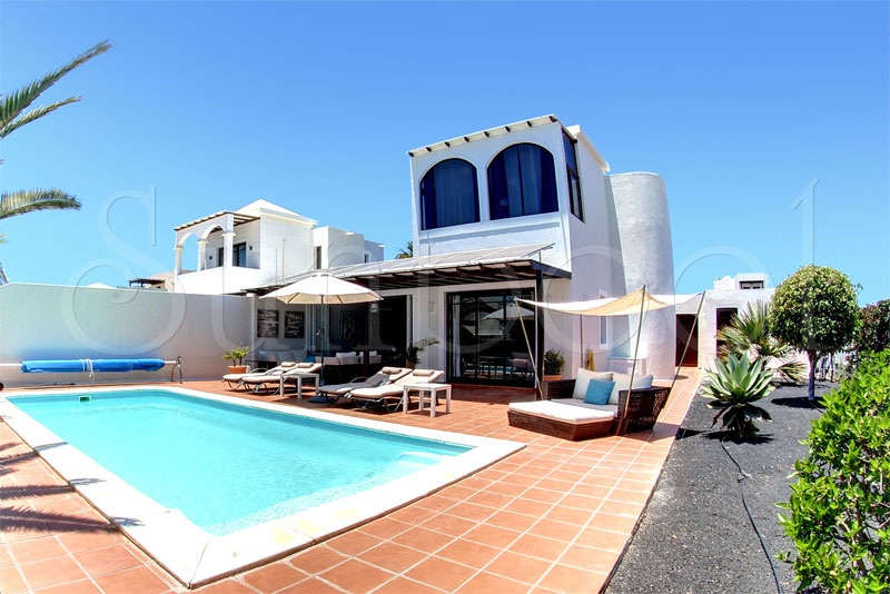 private villas to rent in lanzarote