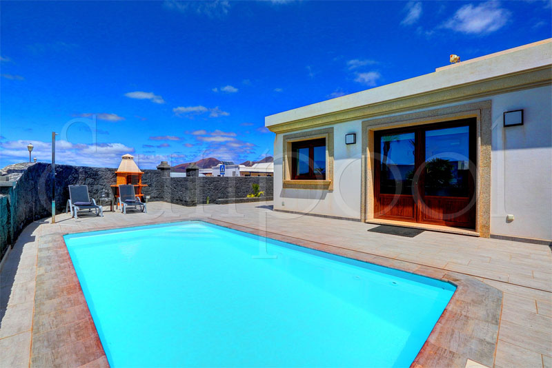villas in lanzarote to rent