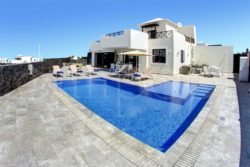 lanzarote property for rent